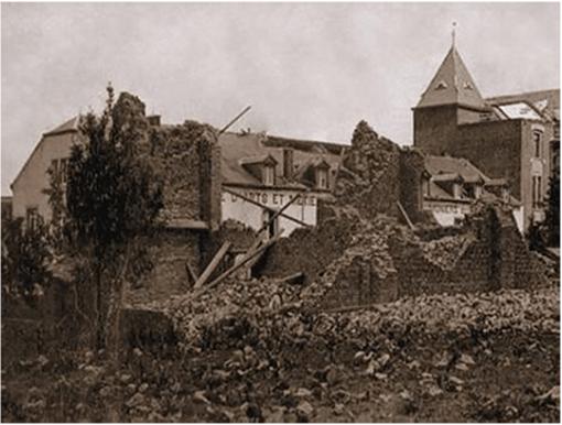 Chapelle de l'Institut Pierrard détruite par la tornade de Virton du 17 juin 1904. Crédit photo : M.A.Lancaster