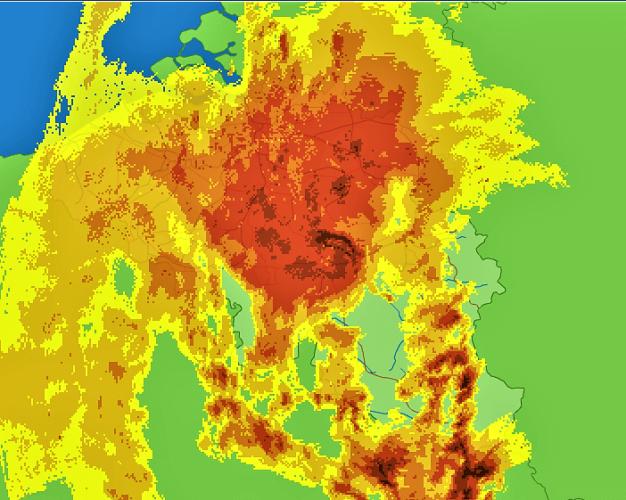 Image radar montrant l'écho en arc très actif engoncé dans la masse de pluies modérées du MCS, le 29 avril 2018. On note également l'arrivée de la deuxième salve orageuse sur le sud de la Wallonie et le Grand-Duché de Luxembourg. Source: Meteo Services.