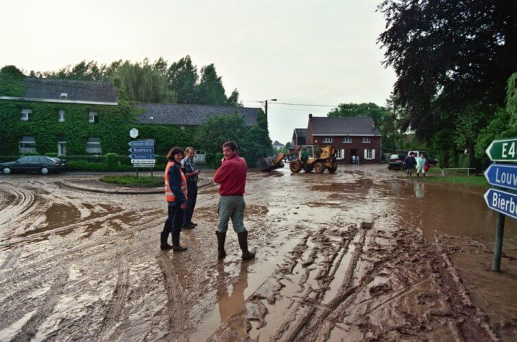 Inondations à Beauvechain, en province du Brabant Wallon, le 6 juin 1998. Crédit photo : Serge Hennebel