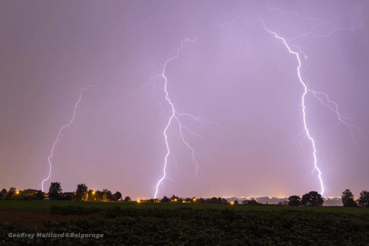 Triple coup de foudre dans la région de Visé, en province de Liège, le 5 juin 2019. Crédit photo : Geoffrey Maillard.