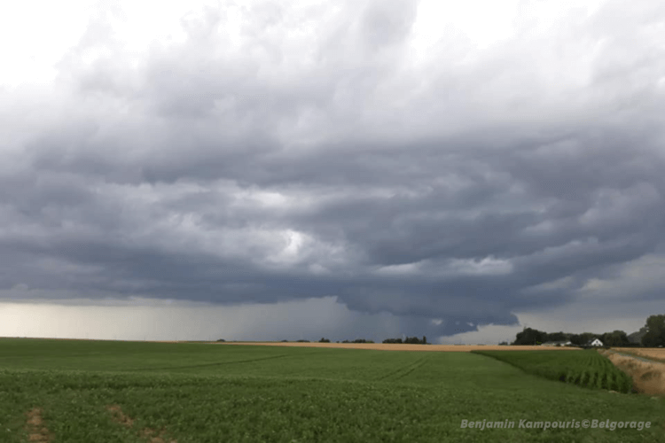 Orage multicellulaire dans la région de Gembloux, en province de Namur, le 20 juillet 2019. Crédit photo : Benjamin Kampouris