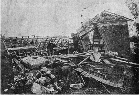 Habitation détruite par une tornade en région parisienne, le 21 septembre 1893. Source ; M.G. Raymond