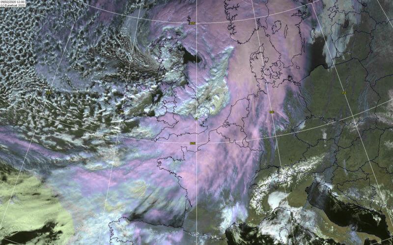La tempête Ciara à 13h00 le 9 février 2020. Source: Wokingham Weather.