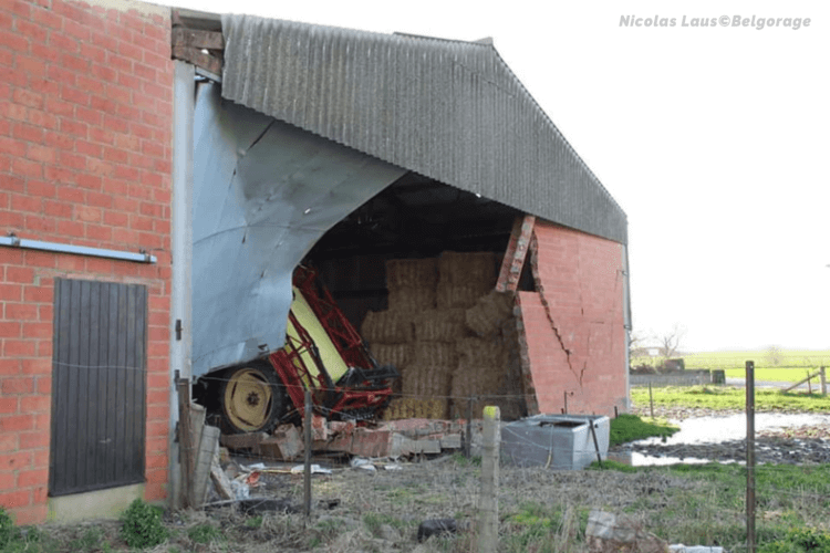 Dégâts constatés sur une ferme de Montignies-lez-Lens. Crédit photo : Nicolas Laus