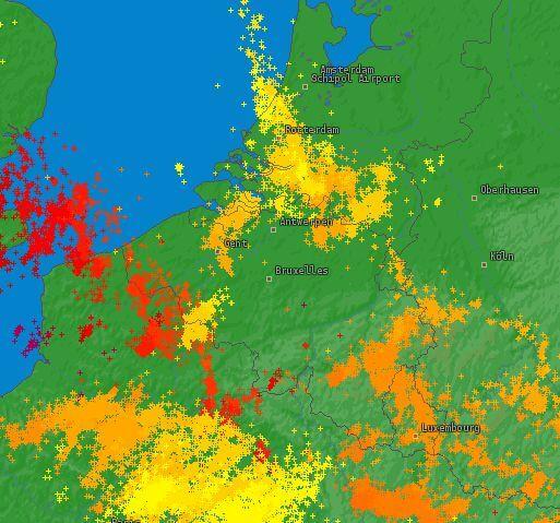 Occurrence de la foudre lors de la journée du 26 juin 2020. Source : Lightningmaps
