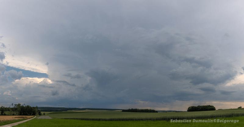Enclume des orages ardennais visible depuis Clavier en province de Liège, le 26 juin 2020 vers 16h45. Crédit photo : Sébastien Dumoulin