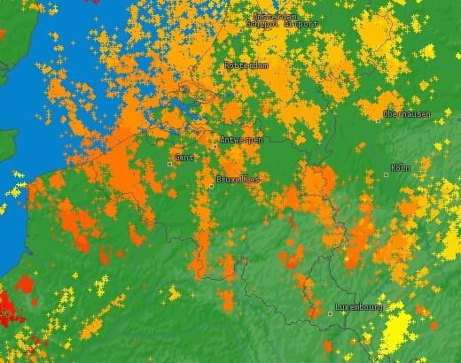 Coups de foudre détectés lors de la journée du 16 août 2020. Source : Lightningmaps