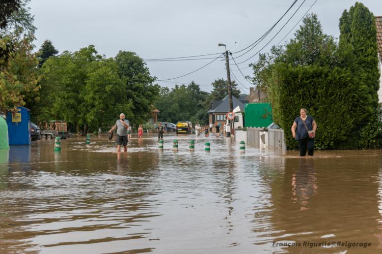 Le village de Doiceau inondé suite à la crue éclair du Pisselet, en province du Brabant Wallon, le 13 août 2020. Crédit photo : François Riguelle