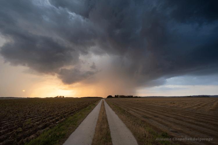 Cellule orageuse dans la région de Bossut, en province du Brabant Wallon, le 14 août 2020 à 20h35. Crédit photo : Aliaume Chapelle