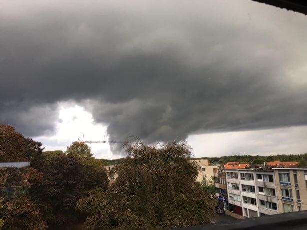 Abaissement nuageux observé depuis Schoten le 5 octobre 2020 à 17h45. Crédit photo : Viviane Roefs