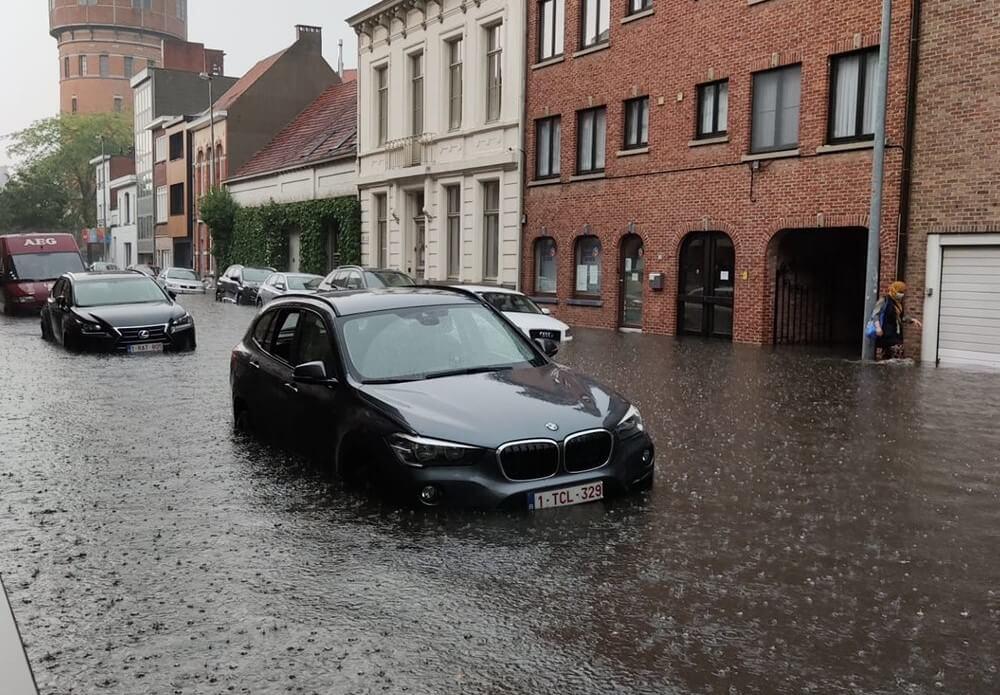 Le ville de Turhout sous les eaux, en province d'Anvers, le 4 juin 2021 vers 18h00. Crédit photo : Ronny Knippen. Source : Noodweer Benelux