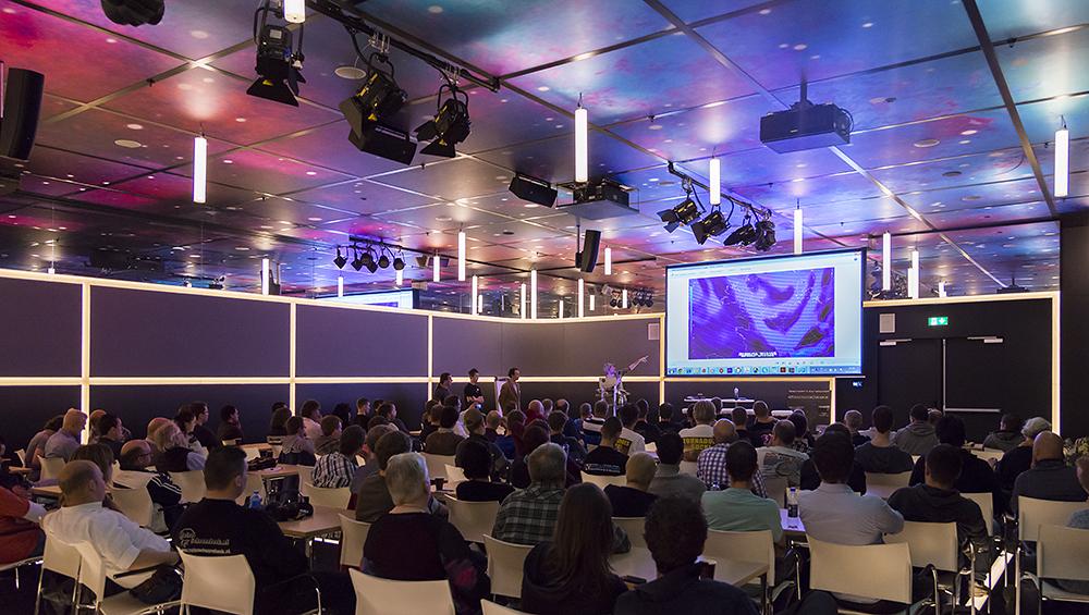 Conférences – Conférence des traqueurs d'orages néerlandais du 11 mai 2014 – Exposé sur le premier voyage de Belgorage au sein de la Tornado Alley en mai et juin 2013