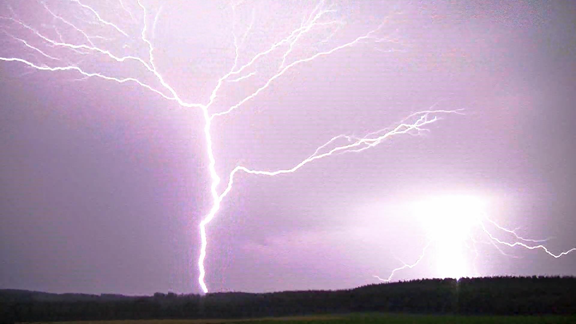 Instants d'orages – Coup de foudre ascendant positif